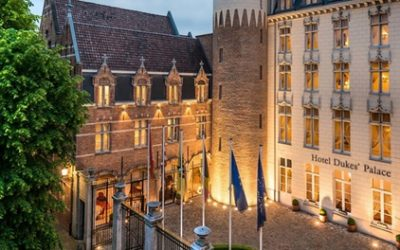 Bruges : chambre double supérieure vue jardin pour 2 personnes avec petit-déjeuner à l'hôtel 5* Dukes' Palace