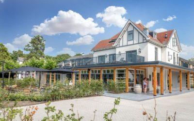 Zeeland: Comfort-Doppelzimmer für Zwei mit Frühstück und Fahrradverleih im Badhotel Renesse