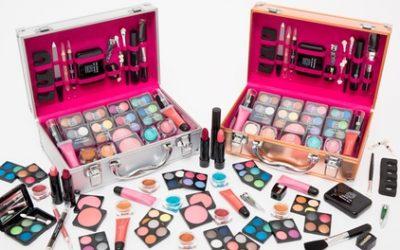 54- or 80-Piece Dawn Till Dusk Make-Up Vanity Case