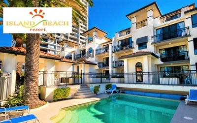 Surfers Paradise: Up to 5-Night Gold Coast Getaway for Up to Four with Wine & Late Check-Out at Island Beach, Broadbeach