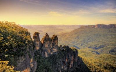 Blue Mountains: 2 or 3 Nights for 4 or 6 People with Breakfast, Parking, Wine and Late Check-Out at Echo Point Village