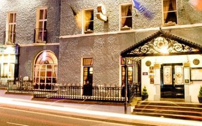 Kilkenny: 1-2 Nights for Two with Breakfast, Dinner and Late Check-Out at Club House Hotel