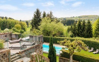 Alvernia: camera doppia con colazione, cena opzionale e accesso Spa per 2 persone al The Originals Auberge de la Tomette